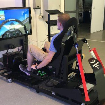 Full Motion Flug Simulator 6