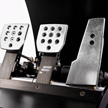 Full Motion Rennsimulator 12