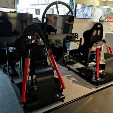 Full Motion Rennsimulator 9